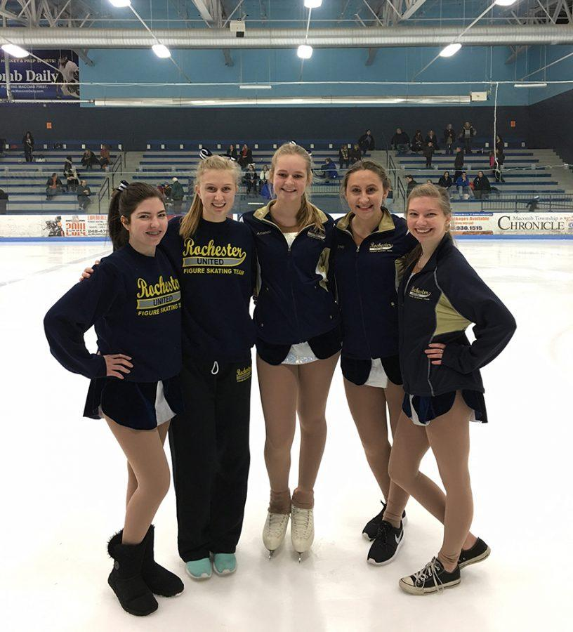 Mleczek+%28far+left%29%2C+McCaslin+%28far+right%29%2C+and+Taylor+%28middle+right%29+pose+with+teammates+from+Adams+and+Stoney+Creek.+Photo+courtesy+of+Nellierae+McCaslin.