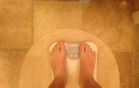 Wrestlers lose weight to prepare for the season