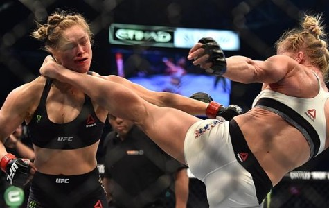 Holly Holm knocking out Ronda Rousey on a leg kick.