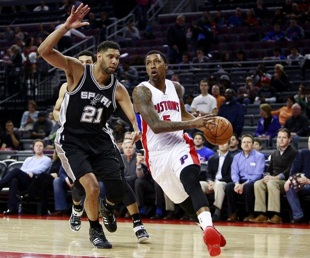 The Pistons struggled to gain ground against the dominant Spurs on Tuesday night.
