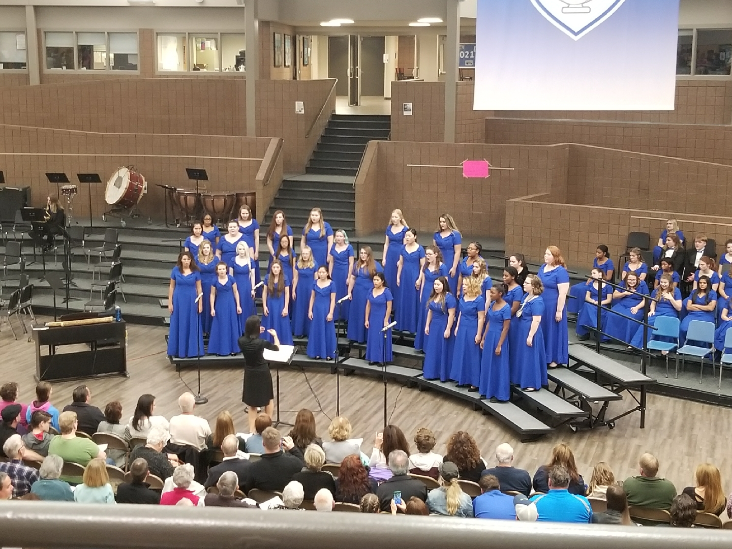 Chorale choir performs one of their well-rehearsed songs at the Collage Concert. Photo courtesy of Eileen Brennan.