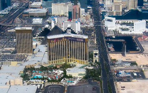 Overview of hotel, Mandalay Bay, where shooter was positioned. Photo Credit: Creative Commons