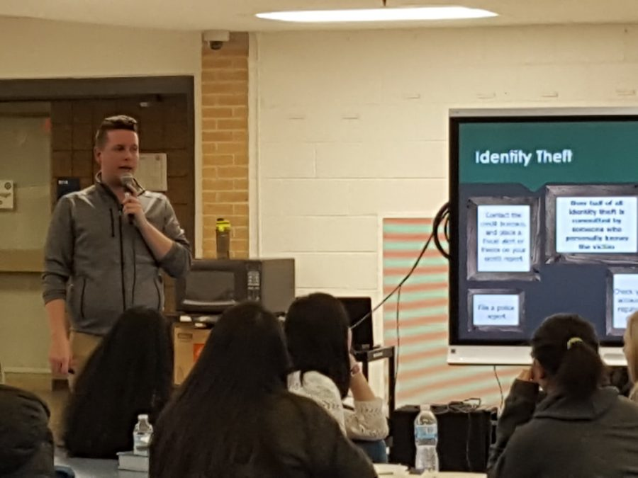 RHS alumnus, Ian Duncanson, spoke to students about managing their finances.