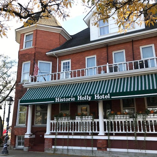 A photo of the Holly Hotel building in Downtown Holly, Michigan. Photo by Violet Resh.